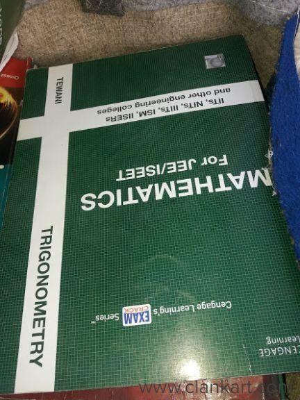 IIT - JEE MAINS & ADVANCED.From Narayana schedule and class notes.A complete set of 24 textbooks of  - Used Books
